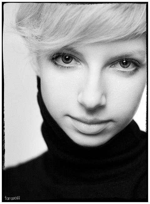 Annushka | woman, black and white, blonde, high key
