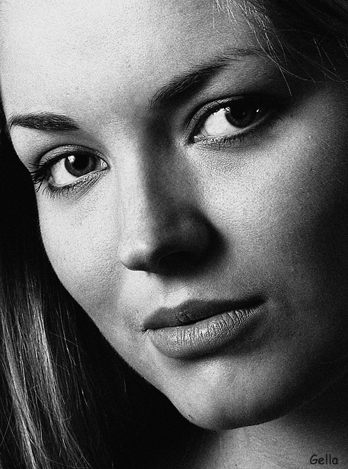 Close   woman, black and white