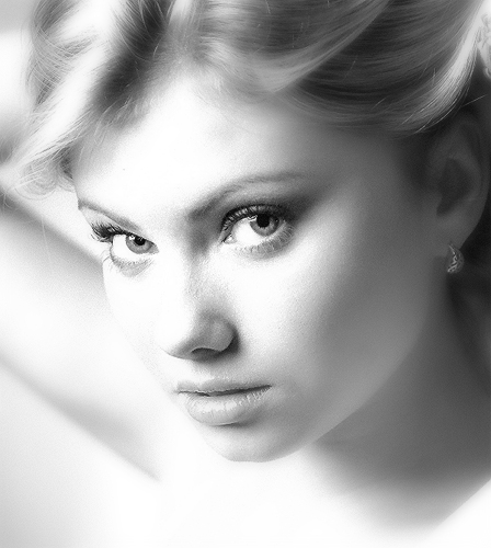I'm on my own | woman, black and white, blonde, high key