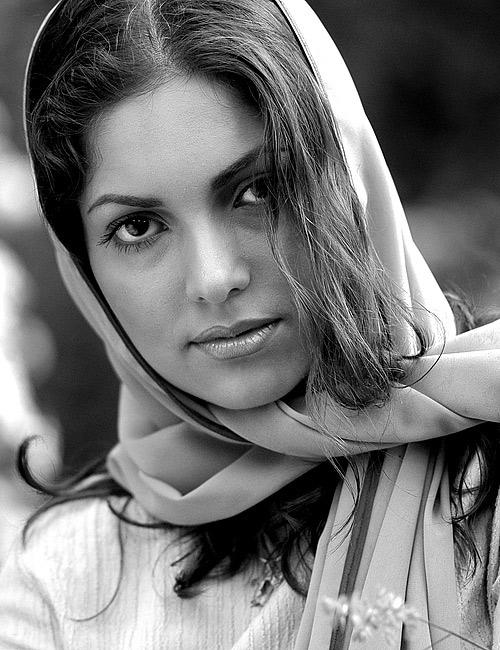 Anya   black and white, woman, nature, scarf
