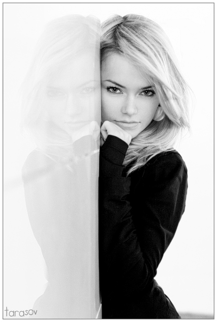 Mysteryca | woman, black and white, blonde, reflection