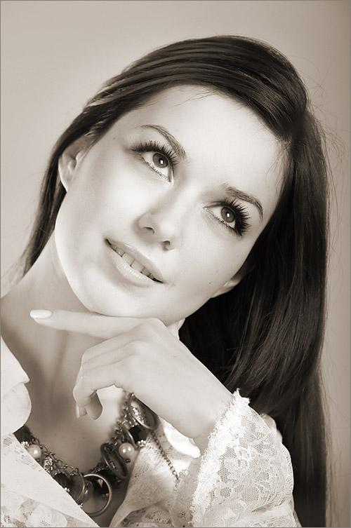 Olesya   black and white, woman, hand, brunette