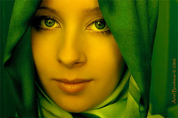 Green Fairy | woman, scarf
