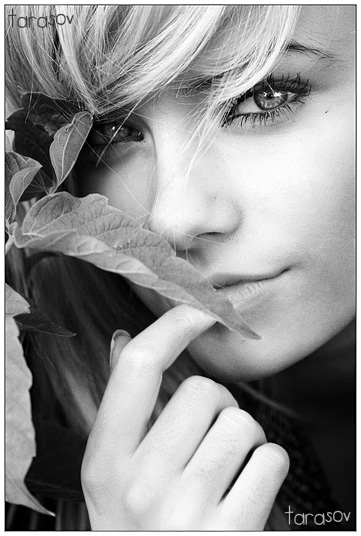 Ollka | woman, black and white, nature, blonde