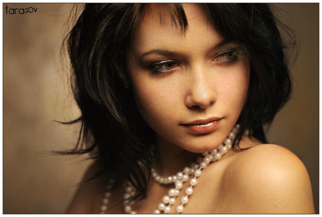 Soft Light   woman, brunette