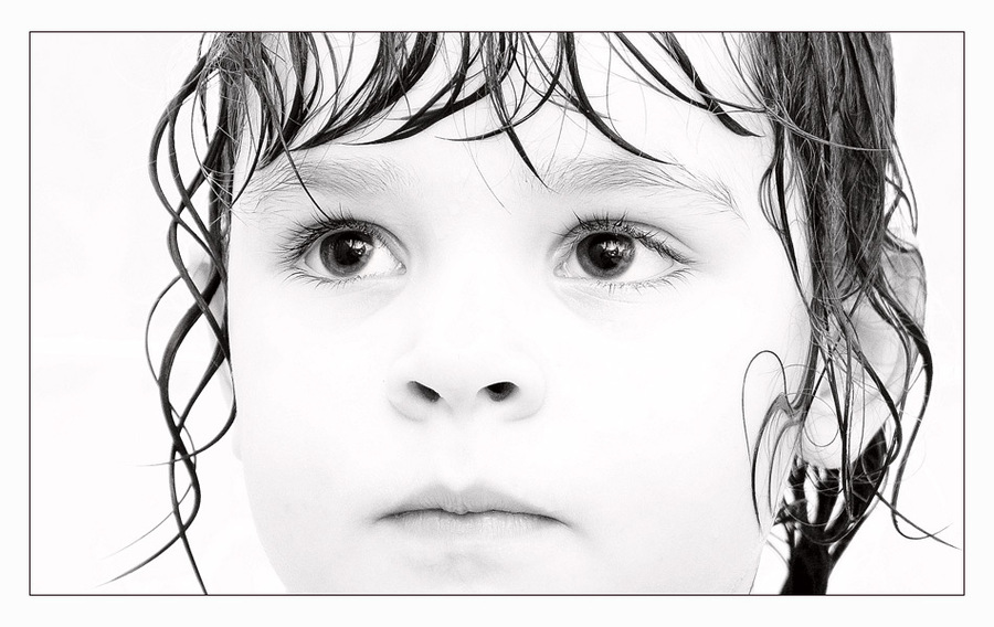 Great Thursday | high key, child, curls, black and white