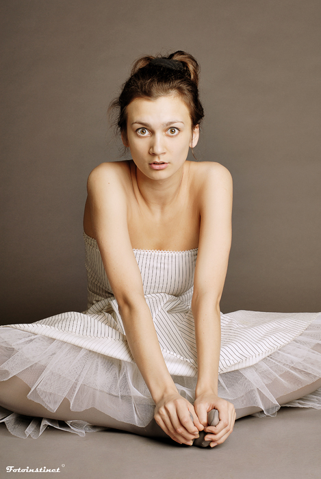 Tutu | brunette, woman, emotion