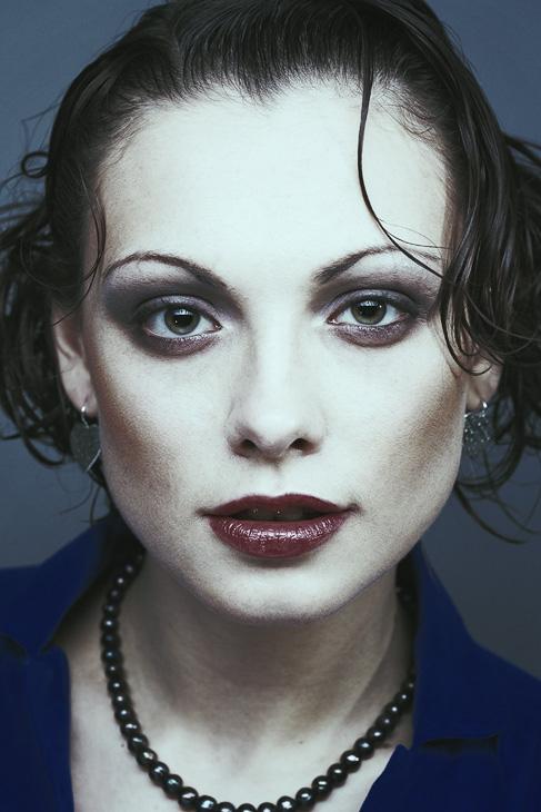 Red lipstick | woman, curls, desaturation