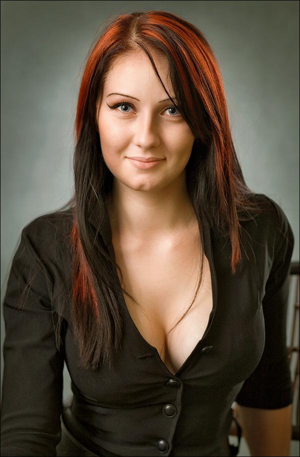 Smile | woman, brunette, redhead