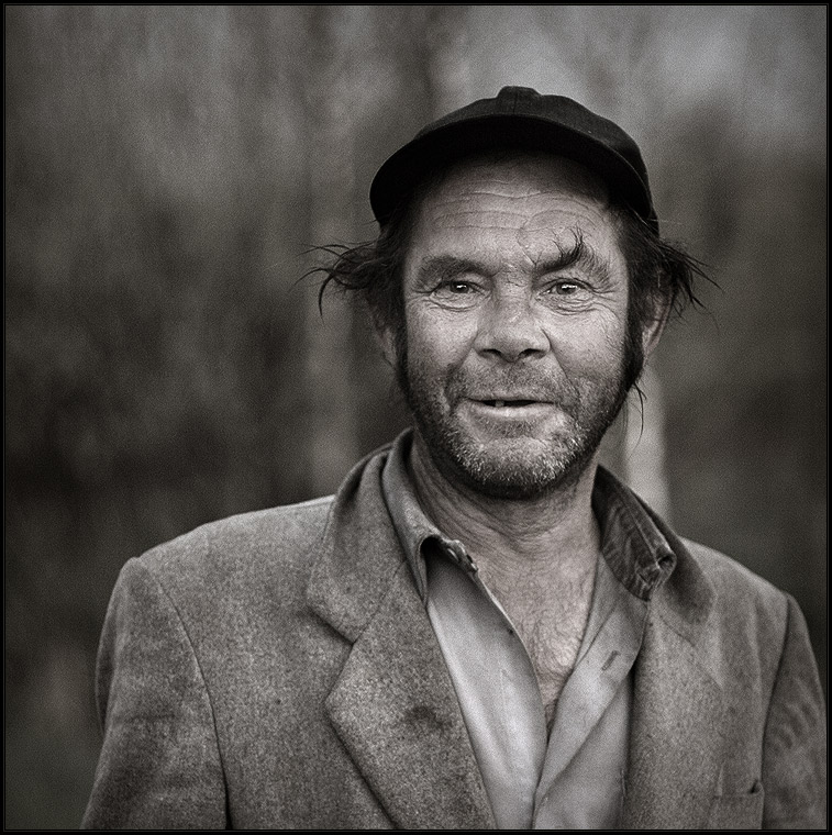 Village | nature, desaturation, male, hat