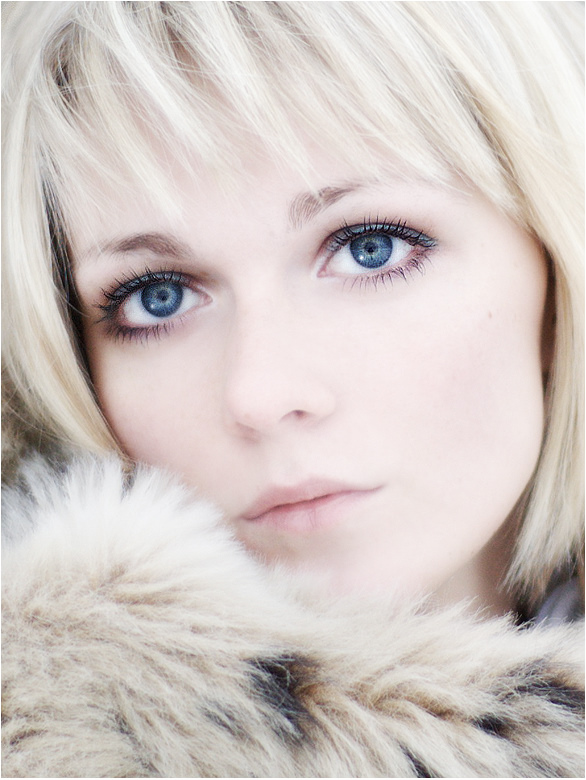 Winter tale | woman, blonde, high key, fur