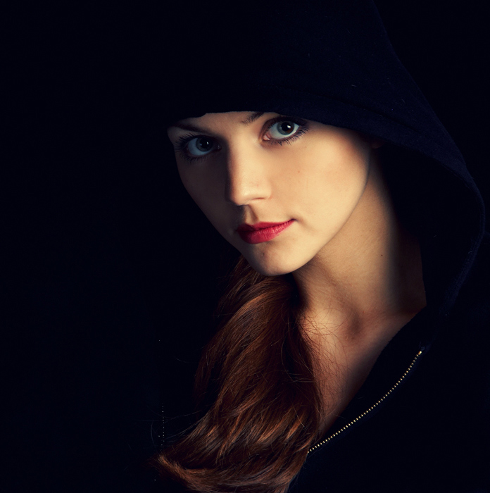 Maria in black | woman, hood