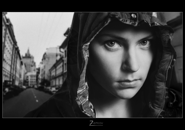 City portrait | black and white, woman, nature, hood