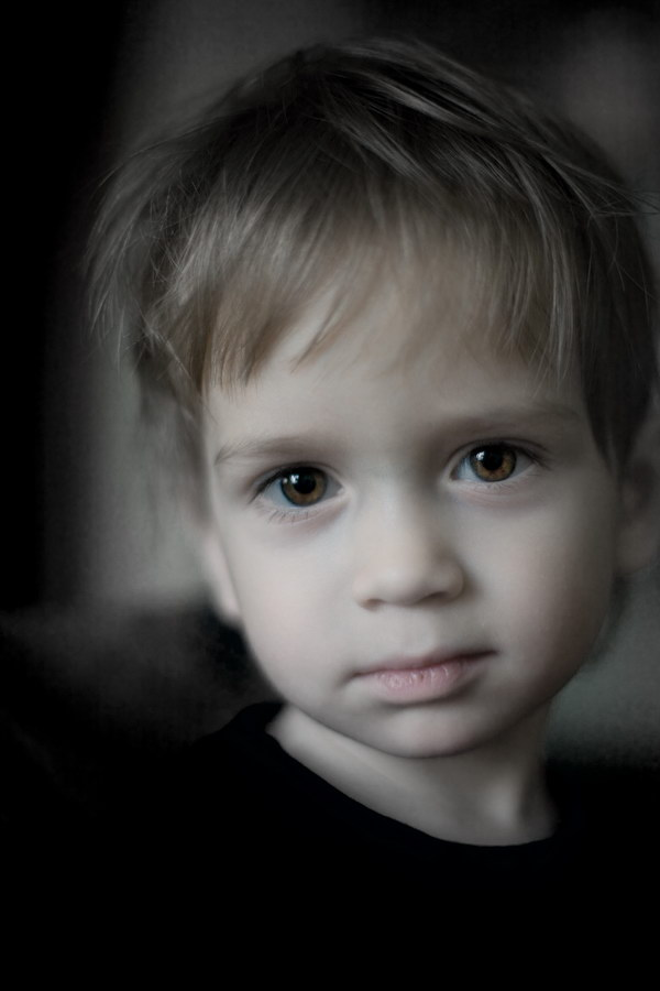 Little one | desaturation, child