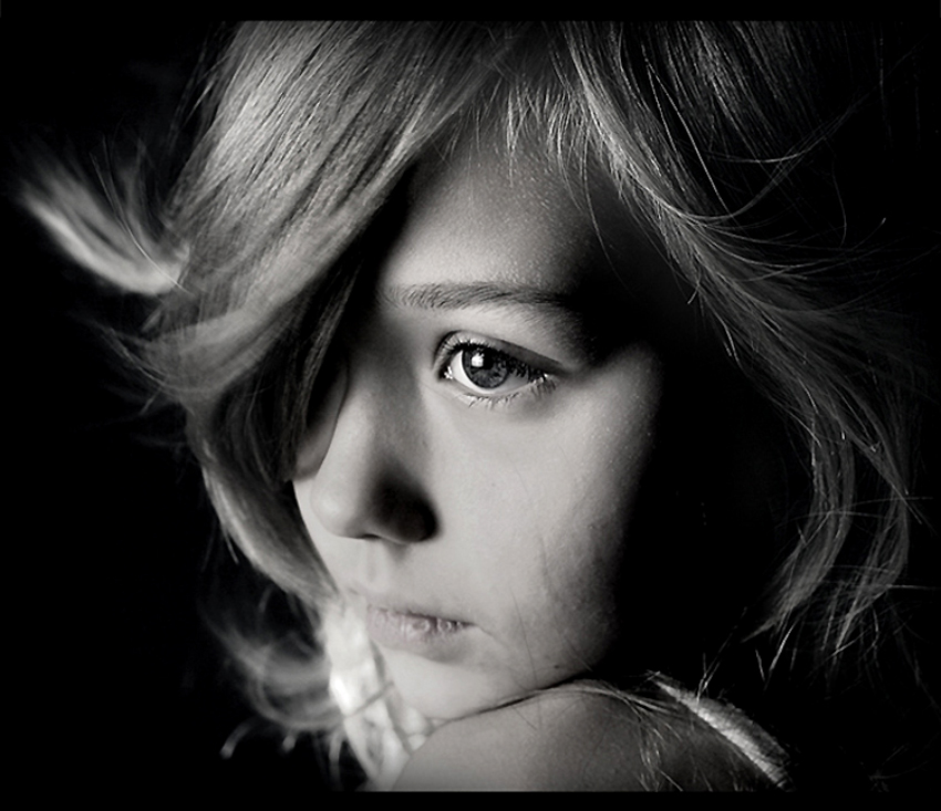 Polechka | black and white, blonde, child