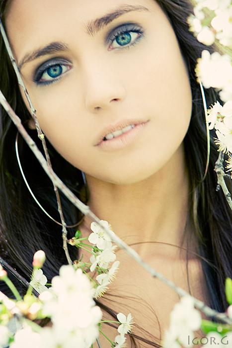 Florescence   woman, nature, flower