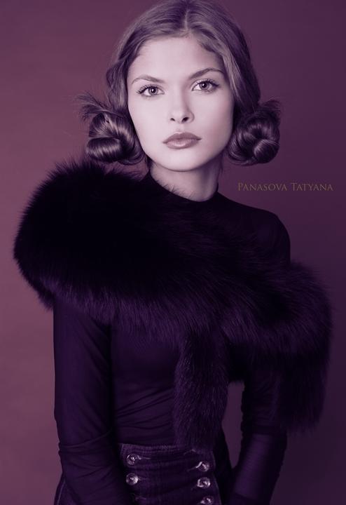 Retro   woman, desaturation, fur