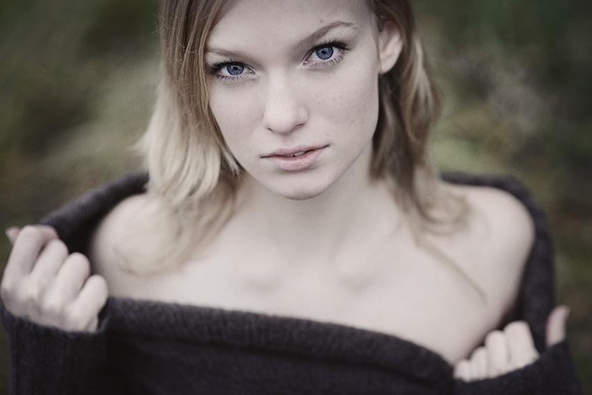 Autumn | woman, nature, blonde, desaturation
