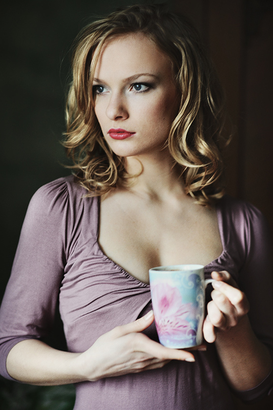 My favourite cup | half-turn, sideview, cup, curls, blonde