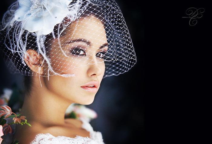 Tender flower | wedding dress, sideview, veil, flower