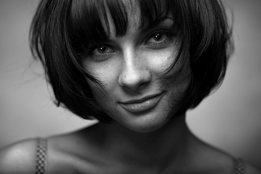 Dashka | freckles, close-up, black and white