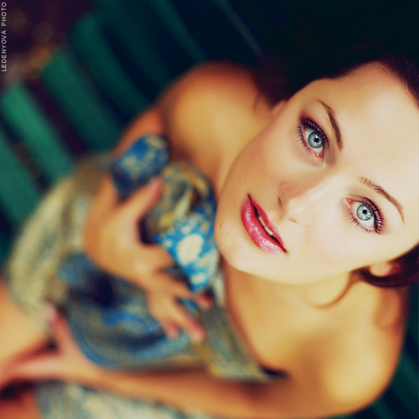 Rest | brunette, blue eyes, fingers