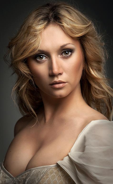 Portrait | blonde, curls