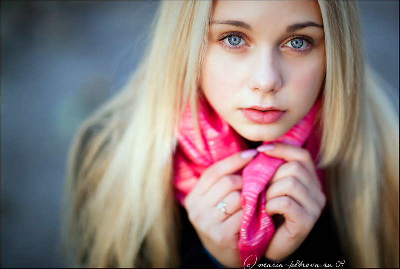 Katarina | blonde, hands, scarf