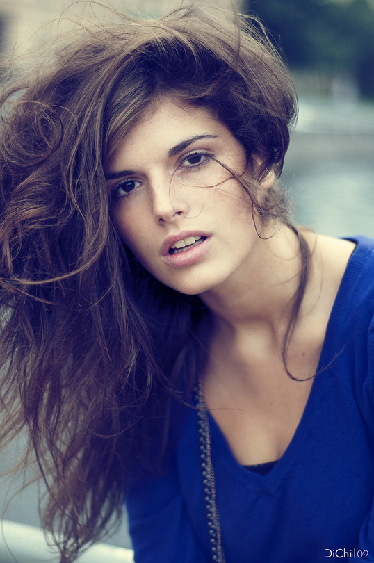 Naturalness | brunette, nature