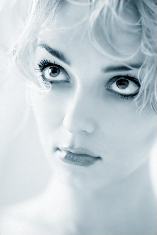 Tenderness | blonde, high key, black and white