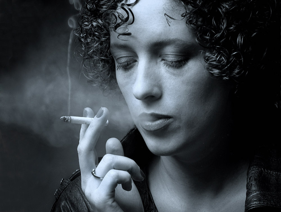 Let's play decadence | curls, cigarette, black and white