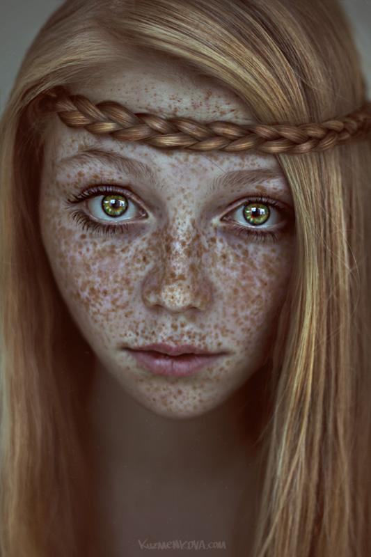 Freckles | blonde, freckles, desaturation