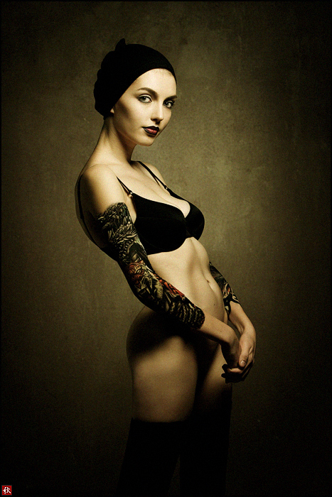 Olive | lingerie, low key, tattoo