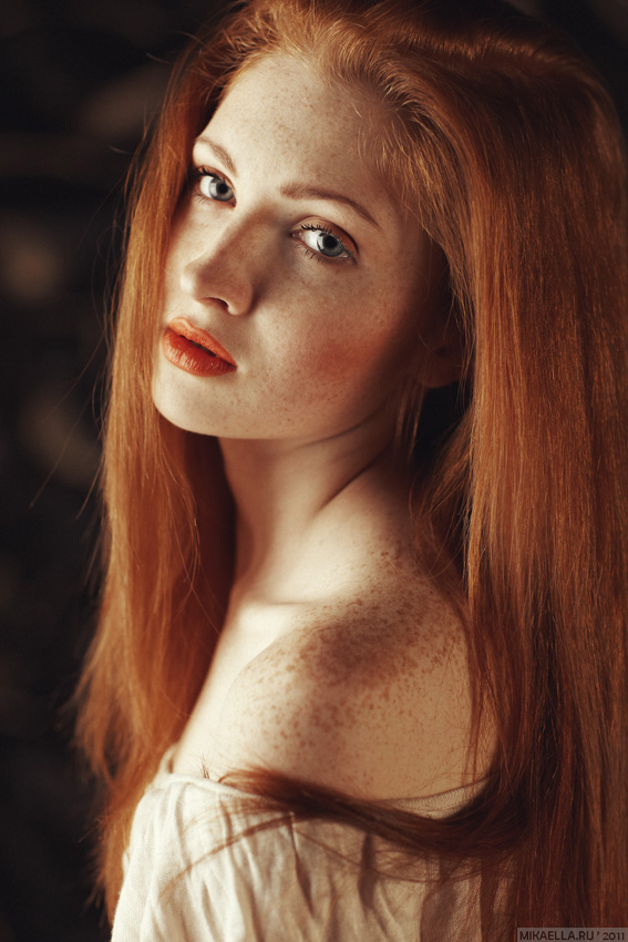 Charm of naturalness | freckles, hair, shoulder, half-turn, redhead