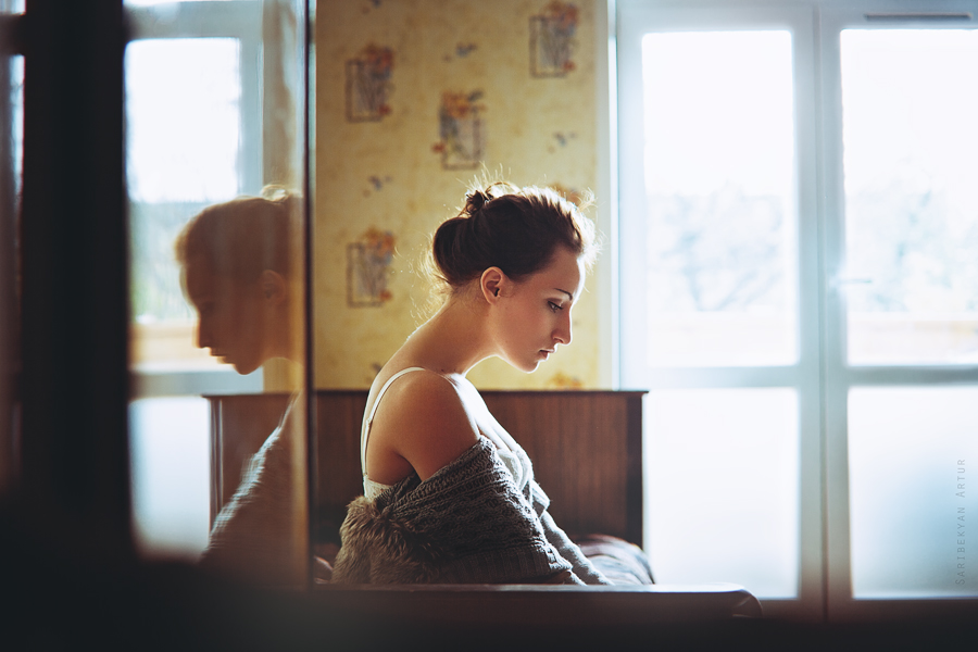 Silent melody | woman, backlight, shoulder, hairstyle