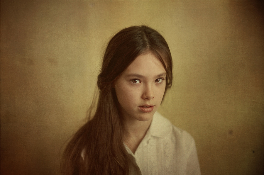 Portrait of a girl | stare, long hair, girl