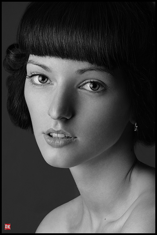 Girl with wide-spaced eyes | wide-spaced eyes, black and white, nice hair-cut