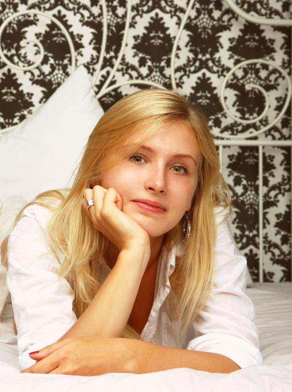 Nastya's morning | morning, bed, white nightdress