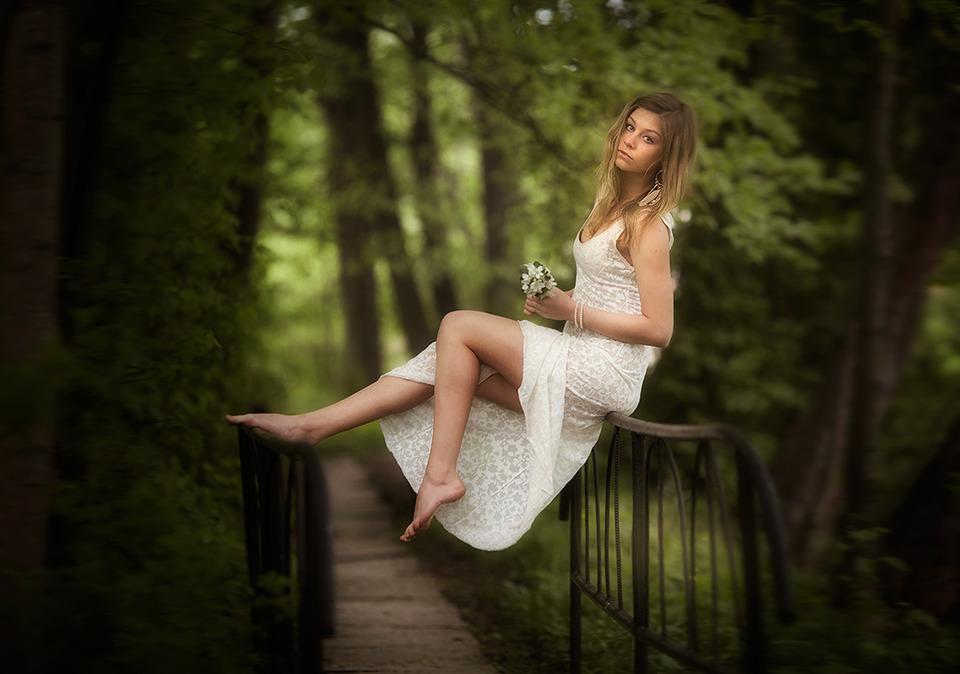 Girl levitates | levitation, white dress, pretty girl, park