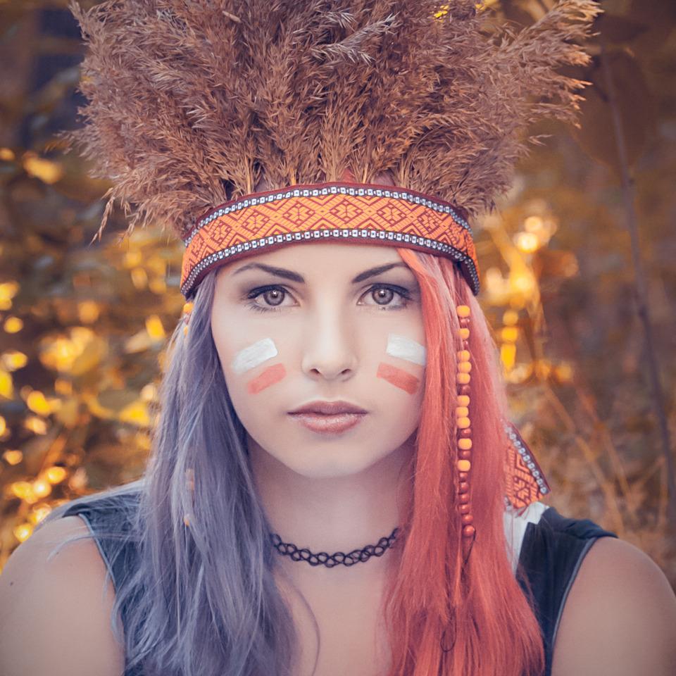 Indianlike cutie | red hair, blue hair, cutie