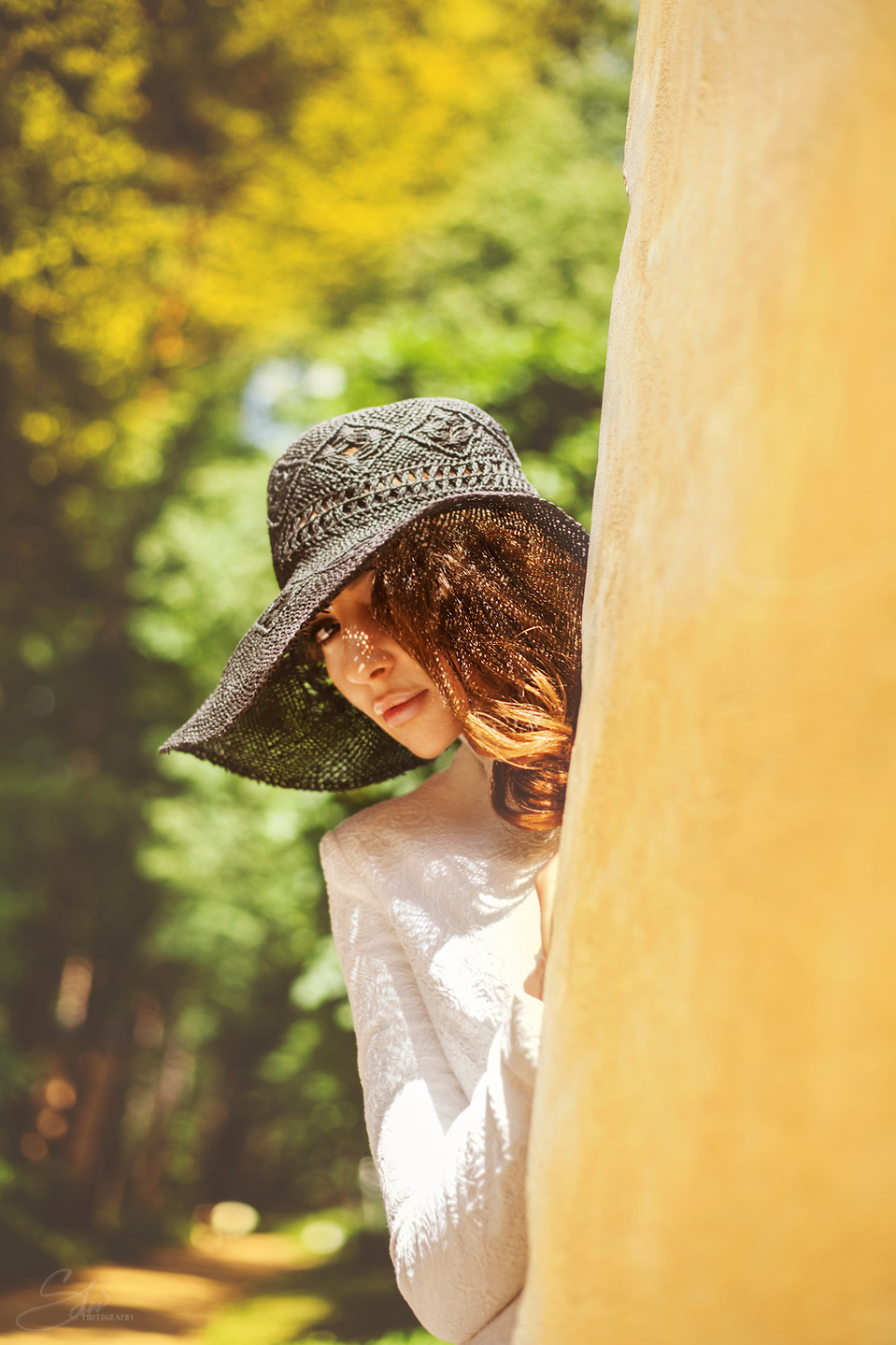 Hide-and-seek in the forest | girl, hide-and-seek, hat, tree