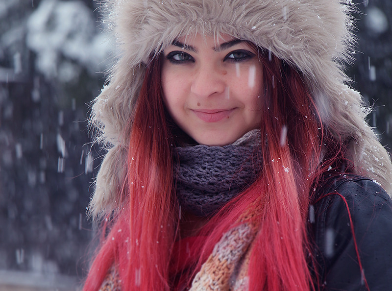Winter portrait | portarit, close-up, snow flakes, cutie