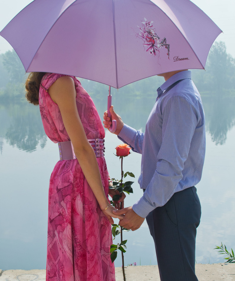 Lovers under the purple umbrella | lovers, rose, pond, lake, water, nature, umbrella
