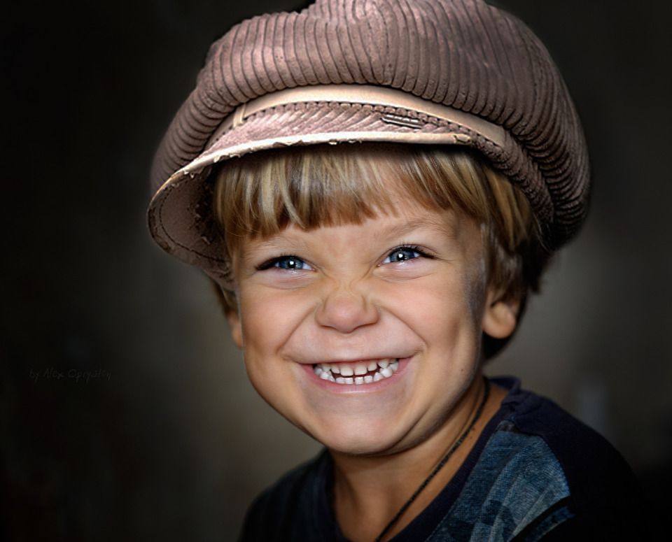 Smile of the little boy | portrait, young model, child, boy, emotionality, blond, smile, cap, teeth, blue eyes