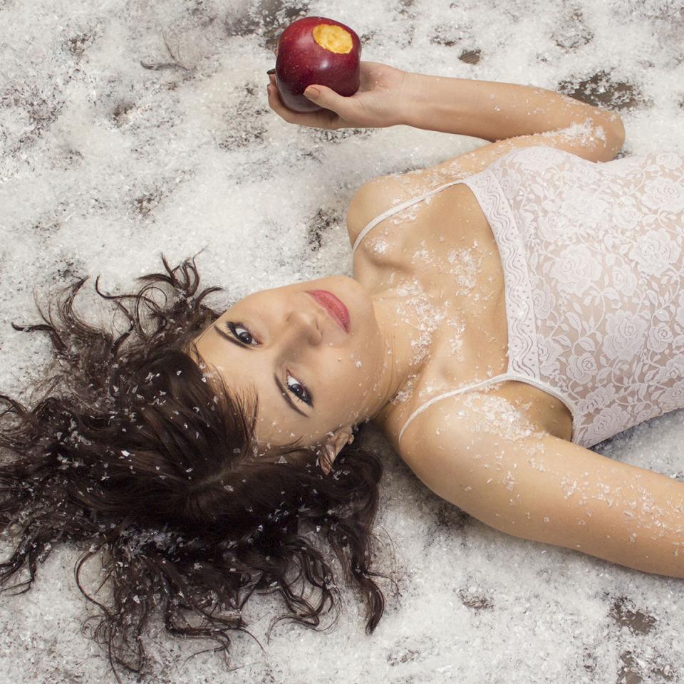 Like a snow | apple, babe