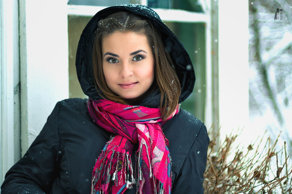 Winter morning is a nice time for photoshoot | winter, snow, cutie, pink lipstick