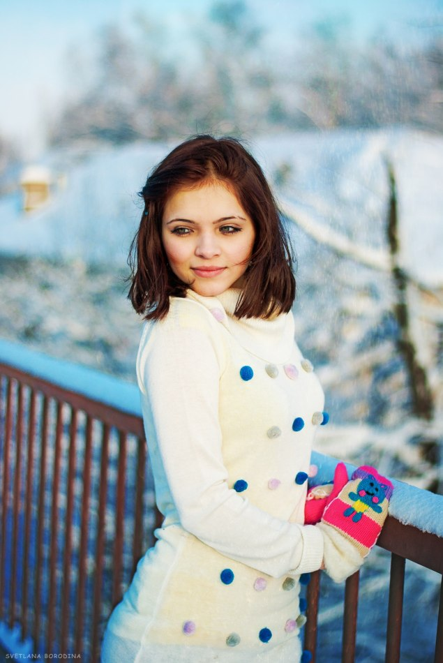 Winter photo shoot of a cute girl | environmental portrait, cutie, winter, snow