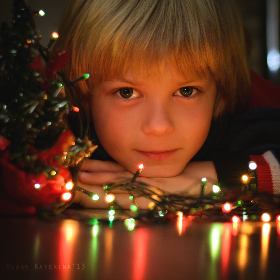 Children love chrismas | christmas, child, boy, blond