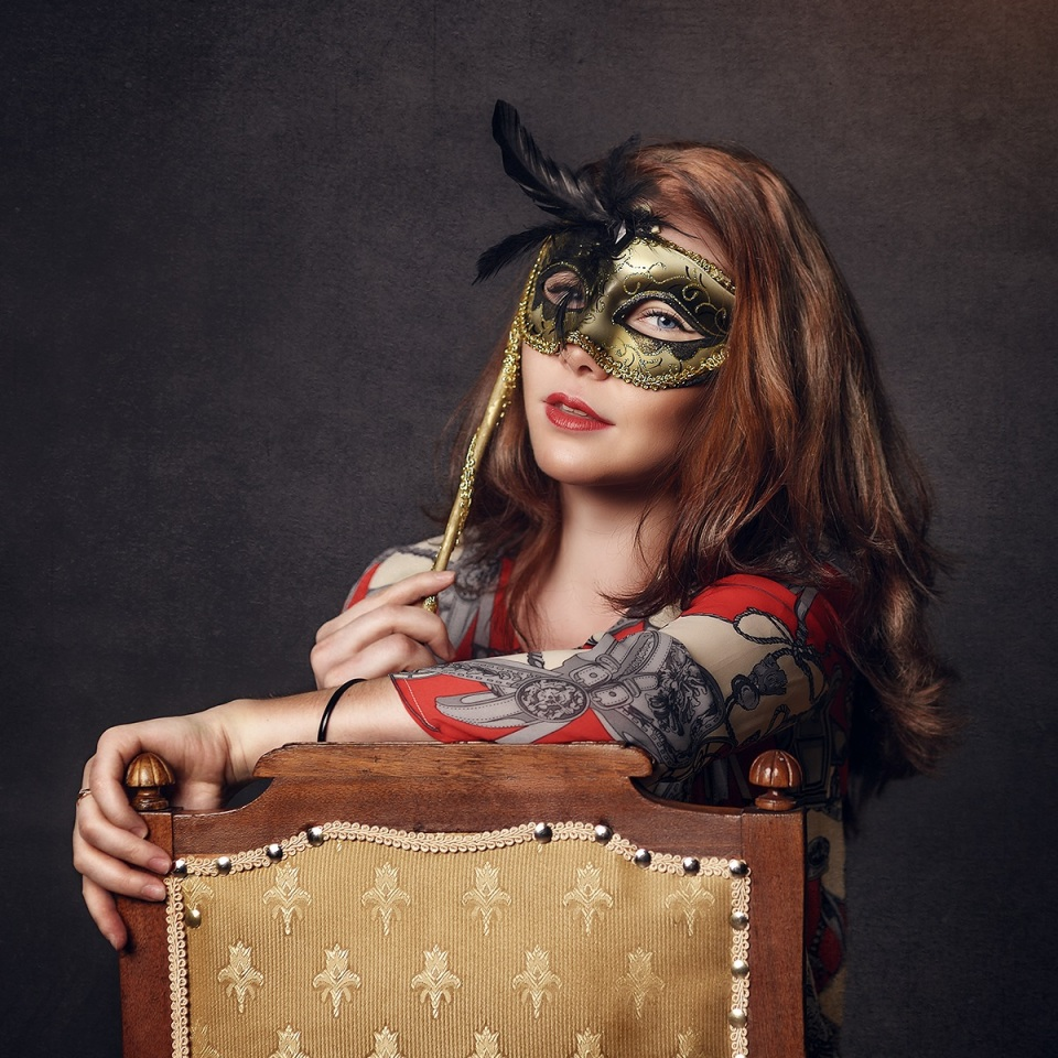 Girl with golden mask | mask, chair, photo shoot