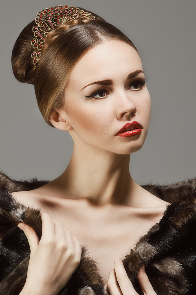 Girl with perfect light skin | photo shoot, perfect skin, red lipstick, fur